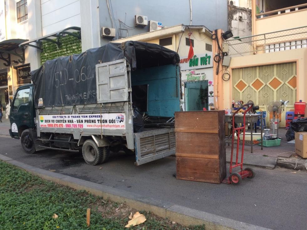 Dịch vụ cho thuê xe tải TPHCM chở hàng tại Thành Tâm