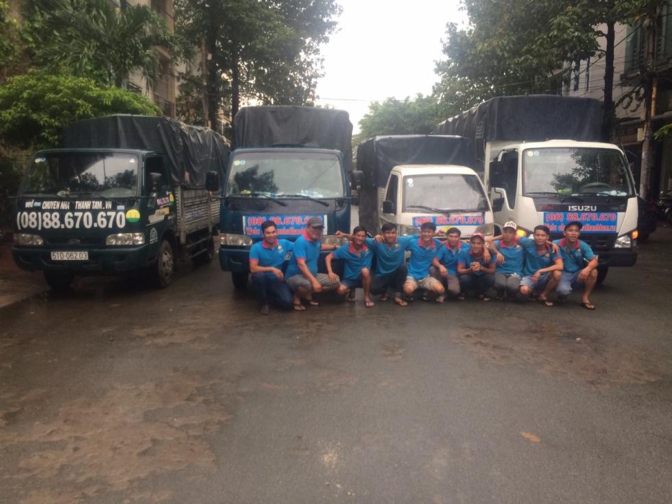 Đội ngũ nhân viên cung cấp dịch vụ chuyển nhà quận 6 TPHCM