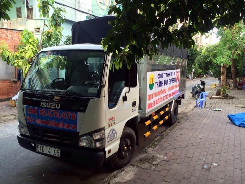 Xe tải cung cấp dịch vụ chuyển văn phòng công ty Thành Tâm