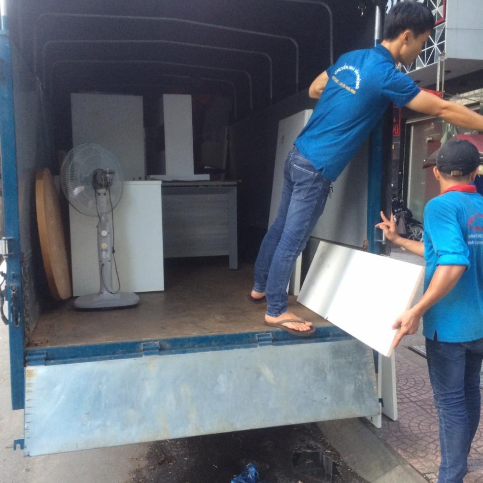 Dịch vụ chuyển nhà tại Thành Phố Hồ Chí Minh - công ty chuyển nhà Thành Tâm.
