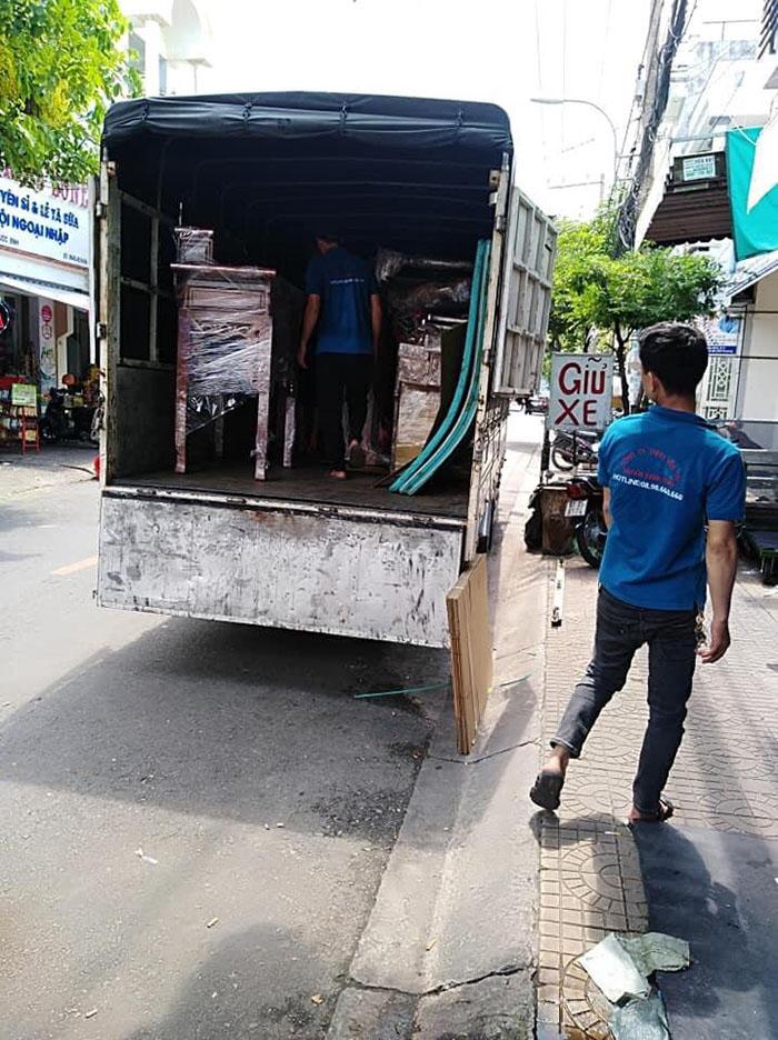 Dịch vụ taxi tải chuyển nhà trọn gói TPHCM tại Thành Tâm